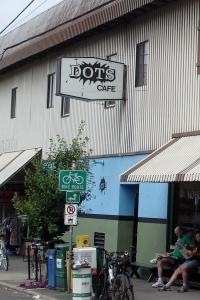 Dot's Cafe
